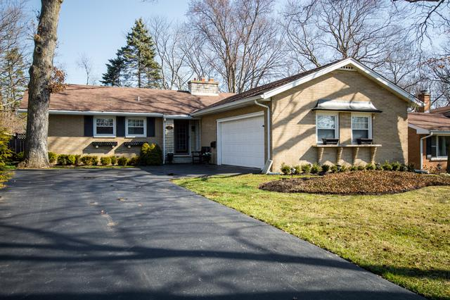 100 W Center Avenue, Lake Bluff, IL 60044 (MLS #09918137) :: The Jacobs Group