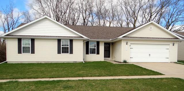 2407 N Skyline Drive, Urbana, IL 61802 (MLS #09918383) :: Littlefield Group