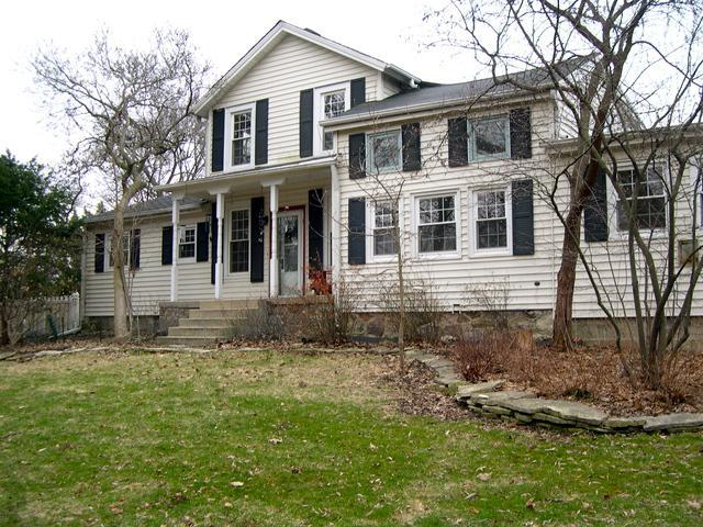 711 Saint Charles Road, Glen Ellyn, IL 60137 (MLS #09918633) :: The Jacobs Group