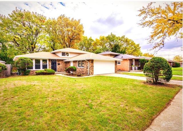 14823 Ellis Avenue, Dolton, IL 60419 (MLS #09919516) :: Lewke Partners
