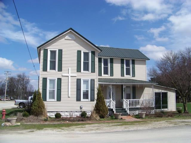 109 Main Street, BELLFLOWER, IL 61724 (MLS #09919820) :: Lewke Partners