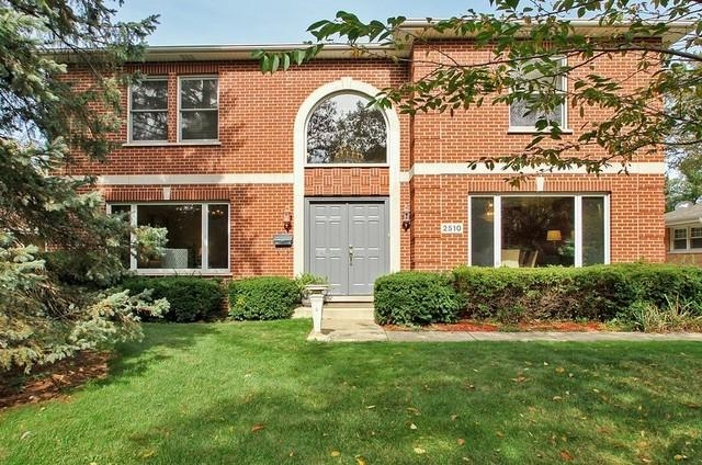 2510 Wilmette Avenue, Wilmette, IL 60091 (MLS #09920068) :: Helen Oliveri Real Estate