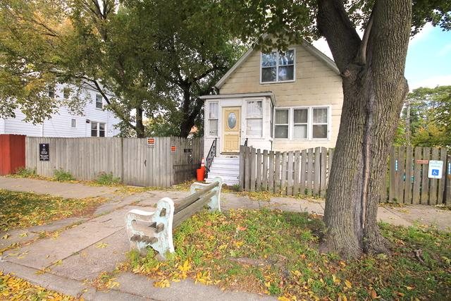 2218 W Oakdale Avenue, Chicago, IL 60618 (MLS #09920681) :: The Jacobs Group