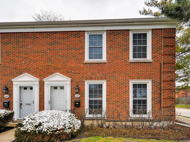 1445 Pebblecreek Drive, Glenview, IL 60025 (MLS #09921143) :: The Jacobs Group