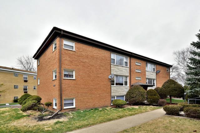 529 Michigan Court, Addison, IL 60101 (MLS #09921558) :: Lewke Partners