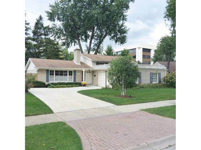 3131 Walden Lane, Wilmette, IL 60091 (MLS #09921801) :: Helen Oliveri Real Estate
