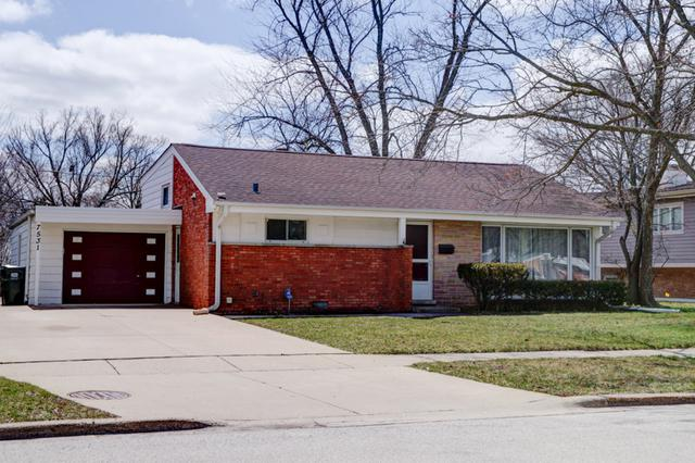 7531 Foster Street, Morton Grove, IL 60053 (MLS #09922220) :: Helen Oliveri Real Estate