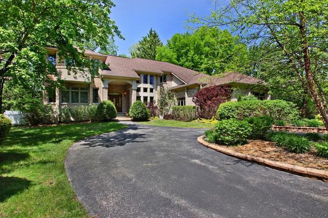 27 Essex Lane, Lincolnshire, IL 60069 (MLS #09922221) :: Helen Oliveri Real Estate