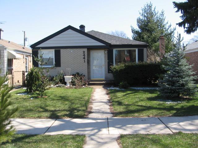 2441 Leyden Avenue, River Grove, IL 60171 (MLS #09922595) :: Lewke Partners
