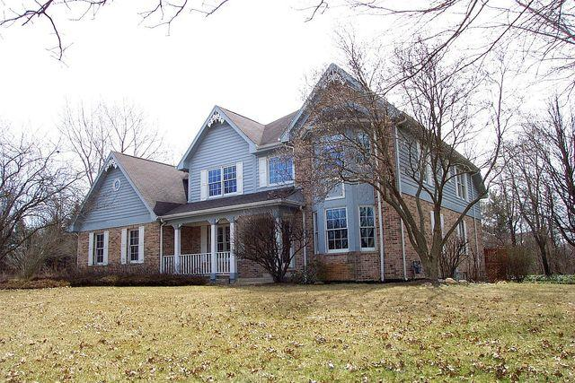 7220 Virginia Court, Frankfort, IL 60423 (MLS #09922676) :: Lewke Partners