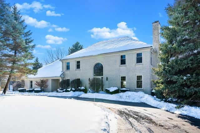 5250 Hilltop Road, Long Grove, IL 60047 (MLS #09922786) :: Helen Oliveri Real Estate