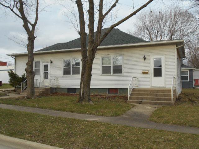 226 W Devlin Street, Spring Valley, IL 61362 (MLS #09923035) :: Lewke Partners