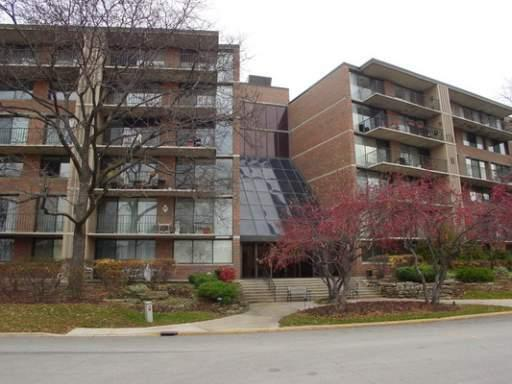 2 S Atrium Way #209, Elmhurst, IL 60126 (MLS #09923109) :: Lewke Partners