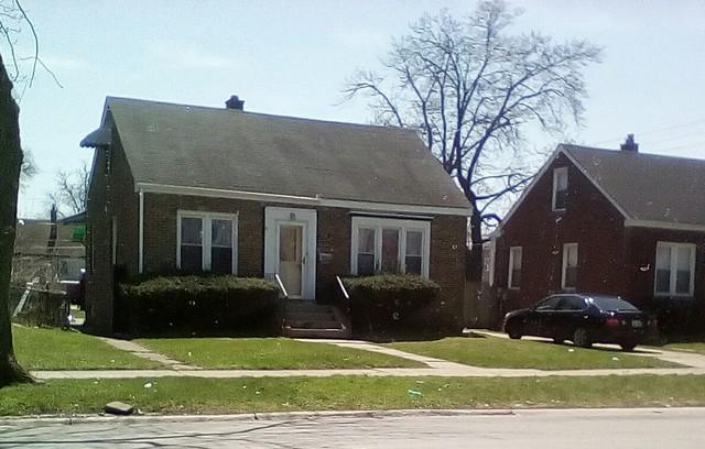205 E 142nd Street, Dolton, IL 60419 (MLS #09923178) :: Lewke Partners