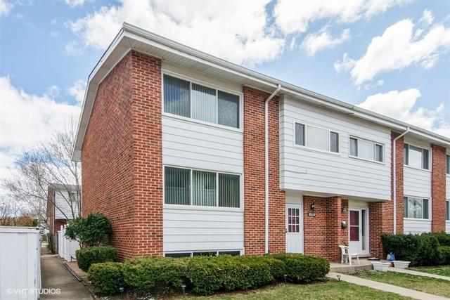 8011 W Lyons Street A, Niles, IL 60714 (MLS #09923320) :: Helen Oliveri Real Estate