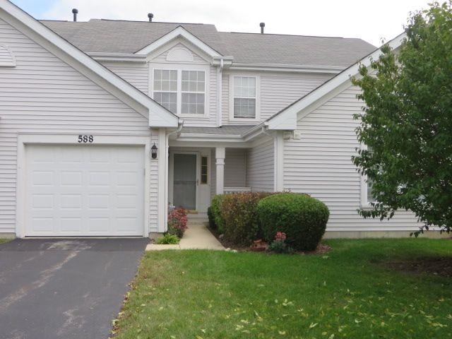 588 Jennifer Circle, Mundelein, IL 60060 (MLS #09923479) :: Helen Oliveri Real Estate