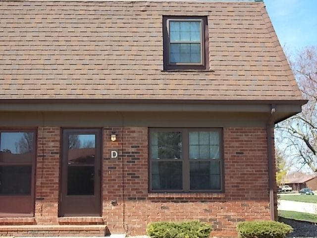 1605 Lyndhurst Drive D, Savoy, IL 61874 (MLS #09923502) :: Ryan Dallas Real Estate