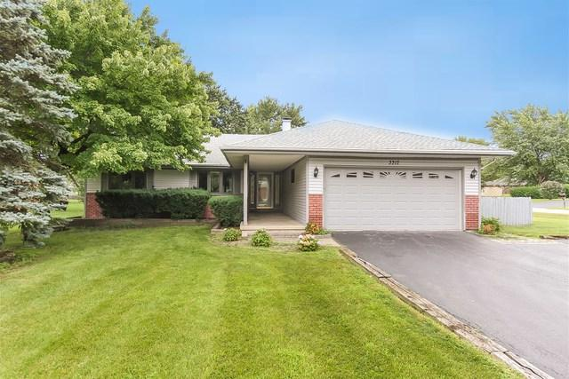 3317 N Betty Drive, Arlington Heights, IL 60004 (MLS #09923534) :: Lewke Partners