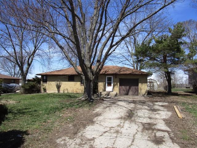 33W094 Old Stearns Road, Elgin, IL 60120 (MLS #09923694) :: Lewke Partners