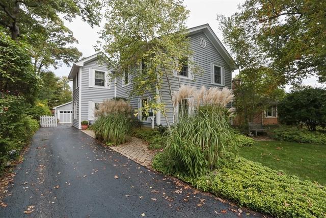 246 E Woodland Road, Lake Bluff, IL 60044 (MLS #09923765) :: Lewke Partners
