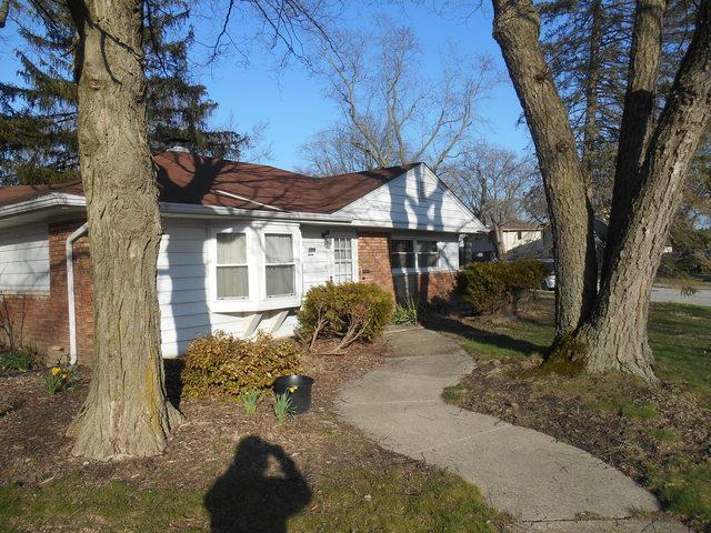 128 Nashua Street, Park Forest, IL 60466 (MLS #09923834) :: Lewke Partners