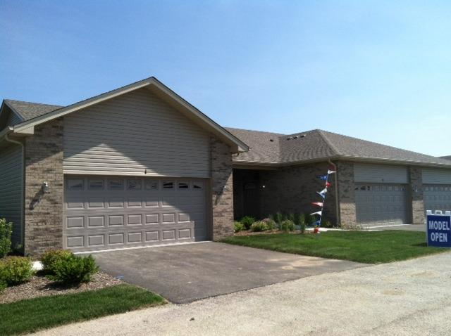 1126 Mandalay Lane End, Bolingbrook, IL 60490 (MLS #09923951) :: The Wexler Group at Keller Williams Preferred Realty