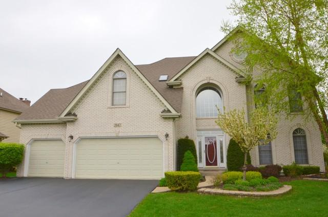 2647 Whitchurch Lane, Naperville, IL 60564 (MLS #09923998) :: The Dena Furlow Team - Keller Williams Realty