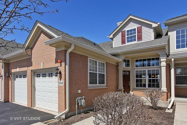 944 Orchard Pond Court, Lake Zurich, IL 60047 (MLS #09924009) :: MKT Properties | Keller Williams