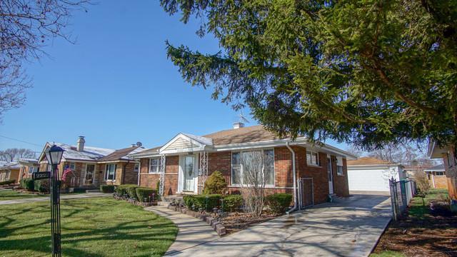 2222 Boeger Avenue, Westchester, IL 60154 (MLS #09924039) :: Lewke Partners