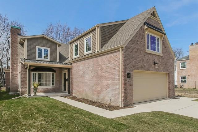 636 S Burton Place, Arlington Heights, IL 60005 (MLS #09924313) :: Helen Oliveri Real Estate