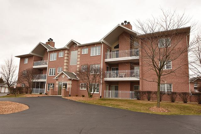 11525 Settlers Pond Way 7-1B, Orland Park, IL 60467 (MLS #09924359) :: The Wexler Group at Keller Williams Preferred Realty