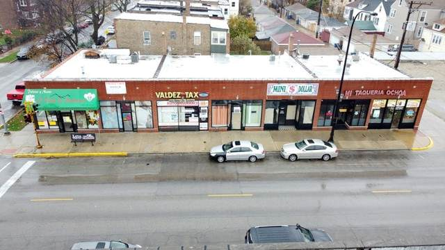 2401 Laramie Avenue - Photo 1