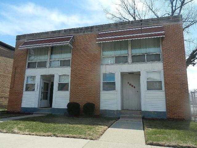 1009 E 93rd Street S, Chicago, IL 60619 (MLS #09924904) :: Baz Realty Network | Keller Williams Preferred Realty
