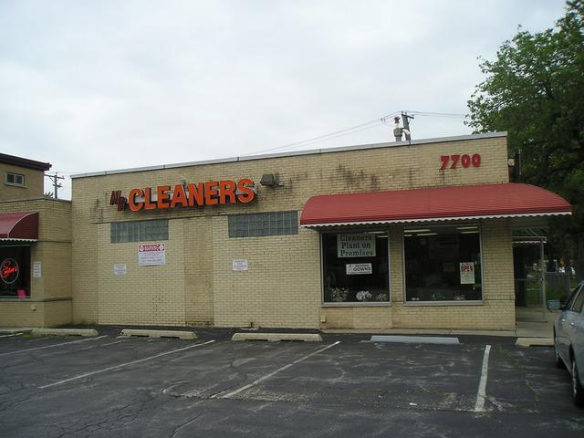 7700 W 26th Street, North Riverside, IL 60546 (MLS #09924945) :: Angela Walker Homes Real Estate Group