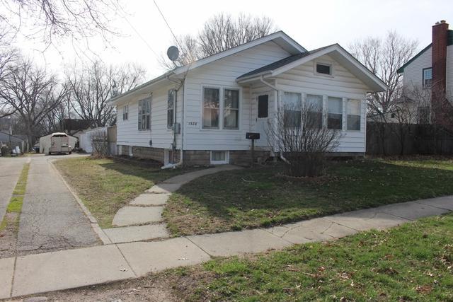 1524 State Street, Belvidere, IL 61008 (MLS #09925019) :: Lewke Partners