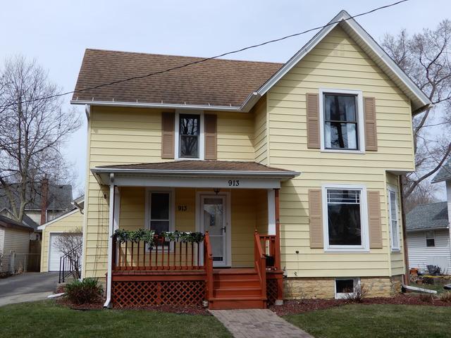 913 Fremont Street, Belvidere, IL 61008 (MLS #09925639) :: Lewke Partners
