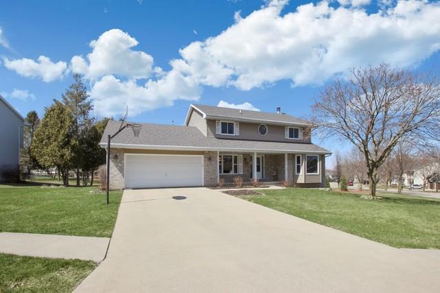 2208 Wheatland Terrace, Freeport, IL 61032 (MLS #09925872) :: Lewke Partners