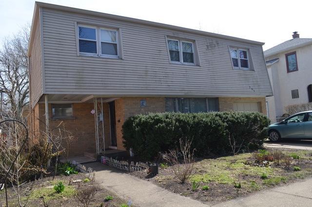 261 E Quincy Street, Riverside, IL 60546 (MLS #09925928) :: Lewke Partners