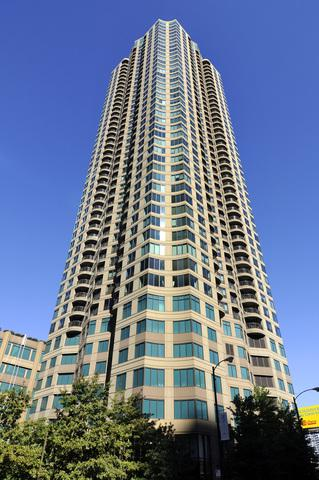 400 N Lasalle Street #4111, Chicago, IL 60610 (MLS #09926402) :: The Perotti Group