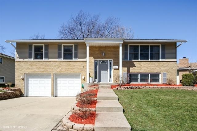 6502 Woodridge Drive, Woodridge, IL 60517 (MLS #09926610) :: Lewke Partners
