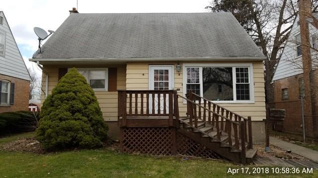 17611 Community Street, Lansing, IL 60438 (MLS #09926766) :: Lewke Partners
