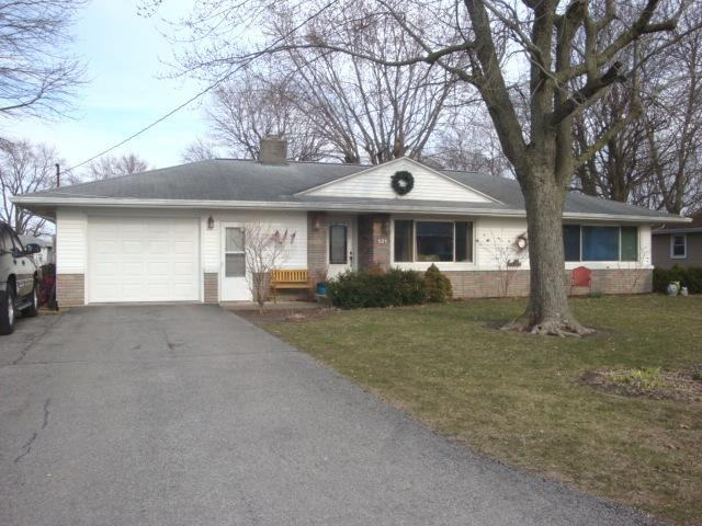 521 N Third Street, Cissna Park, IL 60924 (MLS #09926919) :: Ryan Dallas Real Estate