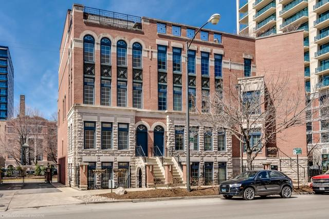 712 N Orleans Street A, Chicago, IL 60654 (MLS #09927049) :: The Perotti Group