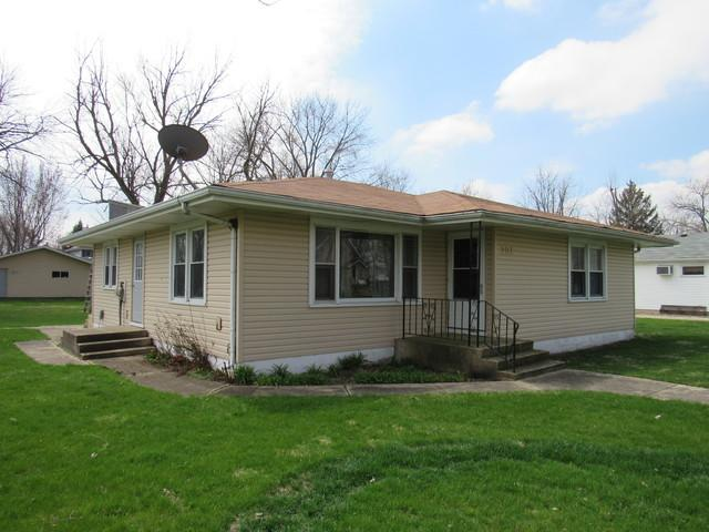 302 W Lincoln Avenue, Gardner, IL 60424 (MLS #09927061) :: Lewke Partners