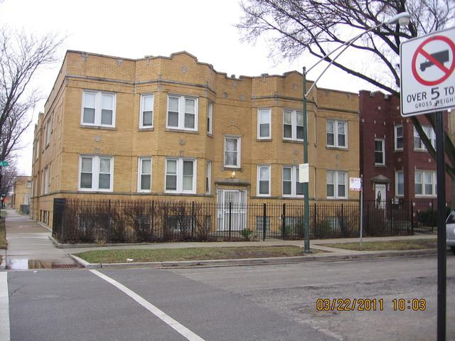 4403 Iowa Street, Chicago, IL 60651 (MLS #09927275) :: Lewke Partners