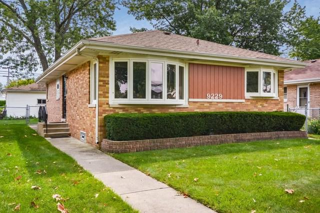 9229 N Latrobe Avenue, Skokie, IL 60077 (MLS #09927405) :: Lewke Partners