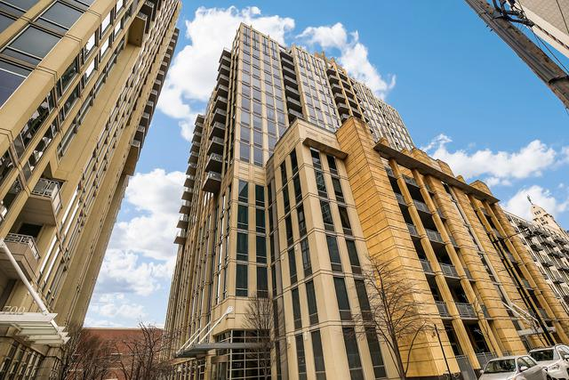 720 N Larrabee Street #1210, Chicago, IL 60654 (MLS #09927648) :: Property Consultants Realty