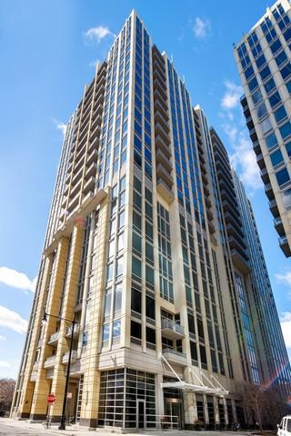 700 N Larrabee Street #1501, Chicago, IL 60654 (MLS #09927817) :: Property Consultants Realty