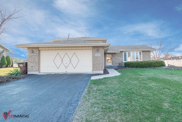 17338 Castle Drive, Tinley Park, IL 60487 (MLS #09928805) :: Lewke Partners