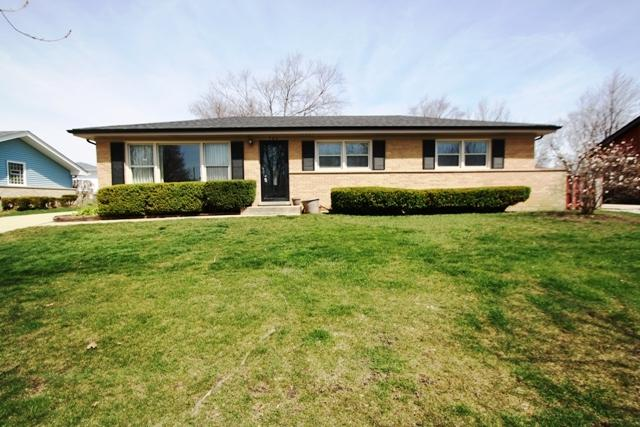 704 Webley Court, Schaumburg, IL 60193 (MLS #09929725) :: Lewke Partners